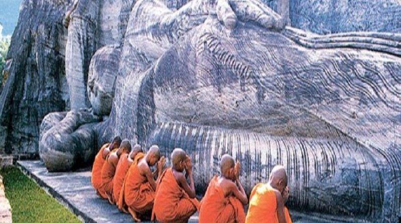 galvihara_at_polonnaruwa_1-610x258