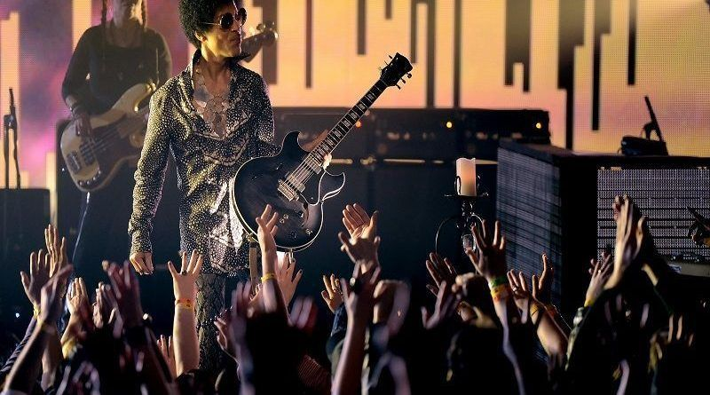 VANCOUVER, BC - APRIL 15:  (Exclusive Coverage) Prince and 3RDEYEGIRL perform at Vogue Theatre on April 15, 2013 in Vancouver, Canada.  (Photo by Kevin Mazur/WireImage)